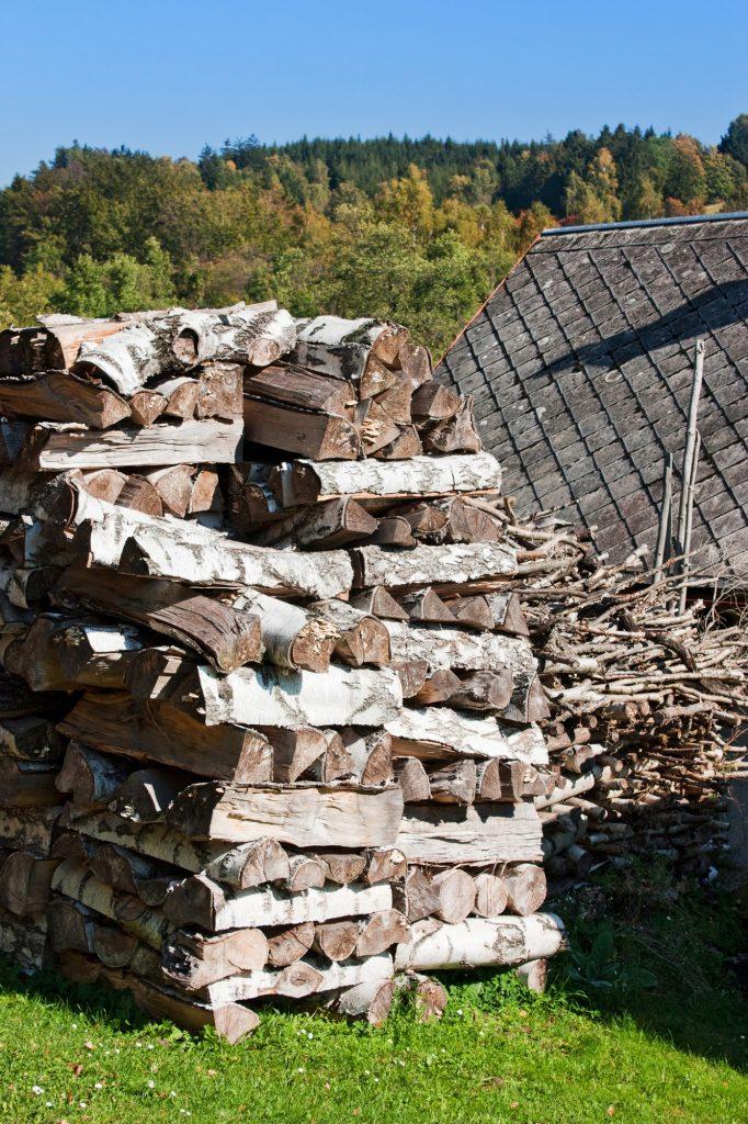 Stocket son bois et économiser